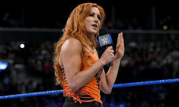 Bookmaker odds make seth rollins and becky lynch the favourites for the royal rumble matches surprise name in
