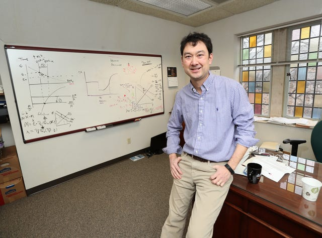 Horse racing: memphis rhodes professor one of world' title='Horse racing: memphis rhodes professor one of world' /></div> <p>It's why an economics professor just might be the ideal occupation for a quirky endeavor like this one.</p> <p>You can reach Commercial Appeal columnist Mark Giannotto via email at mgiannotto@gannett.com and follow him on Twitter: @mgiannotto</p> <p><span><strong>DOWNLOAD THE APP: </strong>Get Memphis sports news from the Commercial Appeal on your mobile device</span></p> <p>Resourse: https://commercialappeal.com/story/sports/columnists/mark-giannotto/2019/02/16/gambling-horse-racing-sports-betting-rhodes-marshall-gramm/2858980002/</p> <h3>Memphis Roofing Companies 901-867-0303</h3> <p><center><iframe width='720